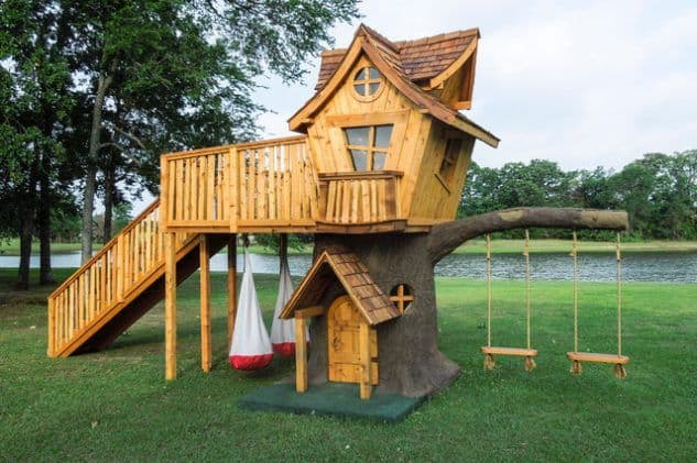 Cute treehouse with dual swings