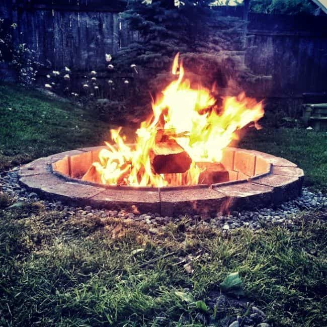 DIY fire pit is pretty simple to make
