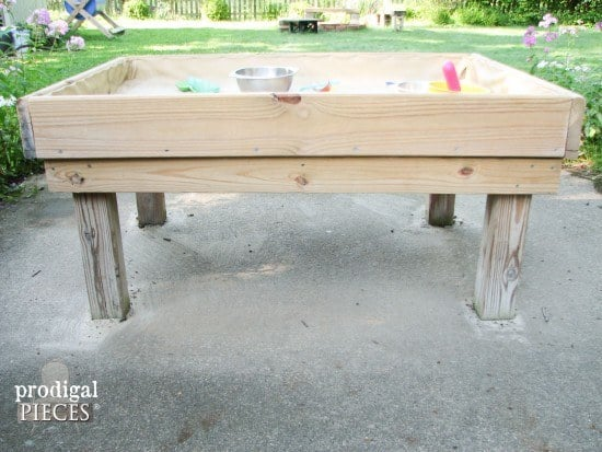 Backyard Pallet Sand Table