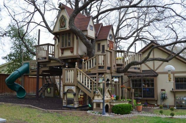 Kid mansion treehouse with slides