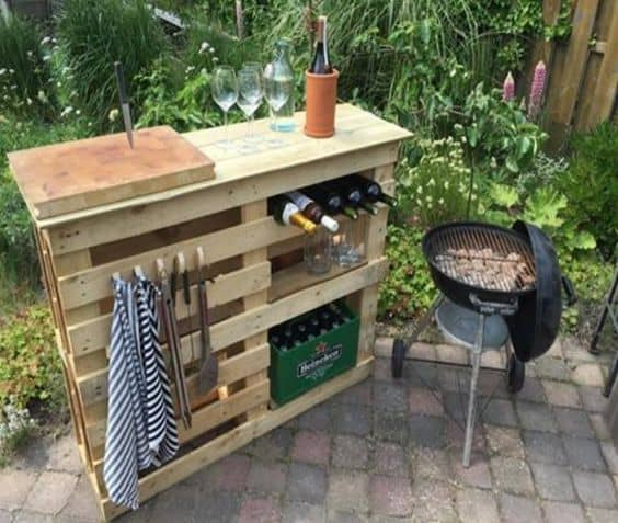 The Ultimate Wooden Pallet Bar and BBQ Design