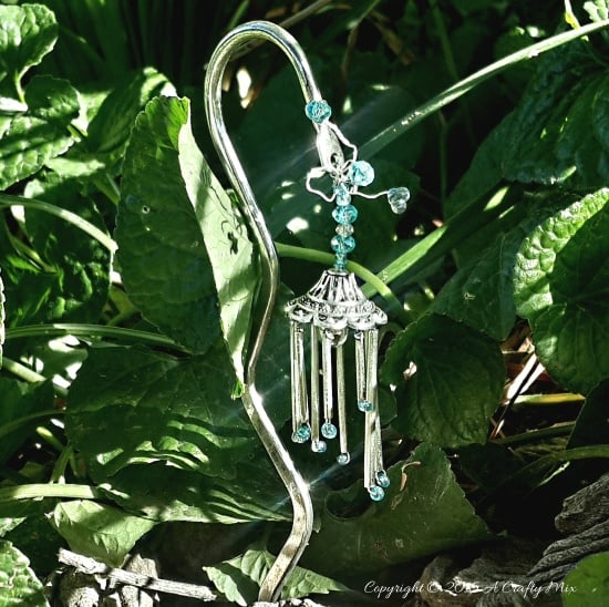 An Elegant DIY 'Fairy Wind-chime' For Your Garden