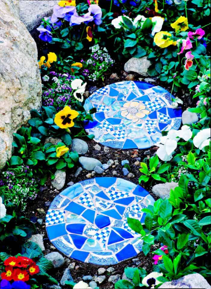 A DIY 'Mosaic Style' Addition To Your Garden