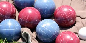 blue and red bocce ball set