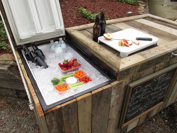 Awesome rustic fridge cooler pallet bar